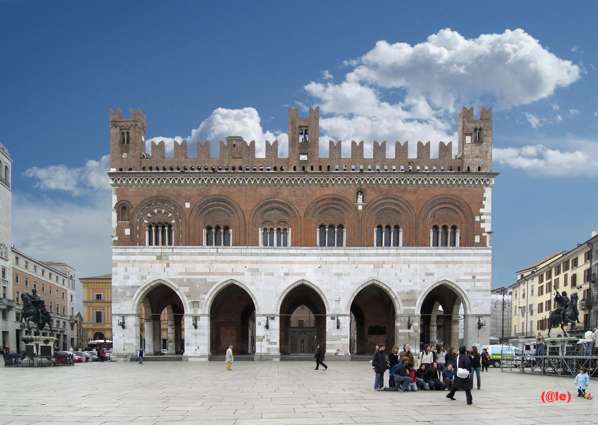 Palazzo Gotico 1